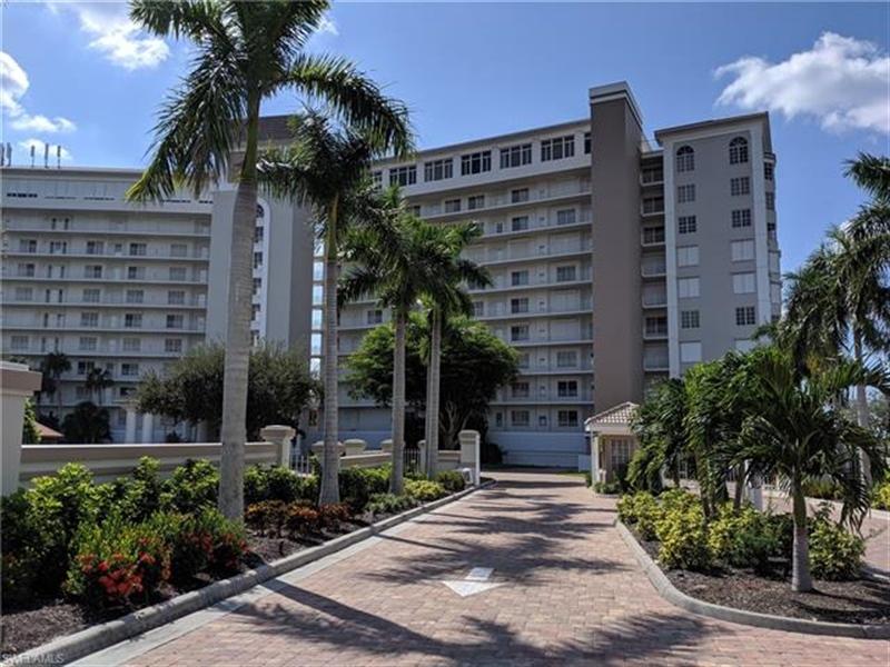 Real Estate Photography - 13105 Vanderbilt DR 707 13105, NAPLES, FL, 34110 - Location 25