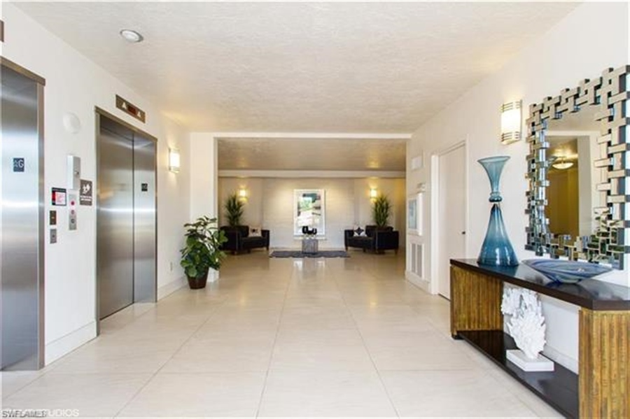 Real Estate Photography - 13105 Vanderbilt DR 707 13105, NAPLES, FL, 34110 - Location 29