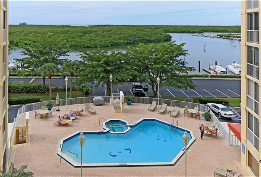 Real Estate Photography - 13105 Vanderbilt DR 707 13105, NAPLES, FL, 34110 - Location 30