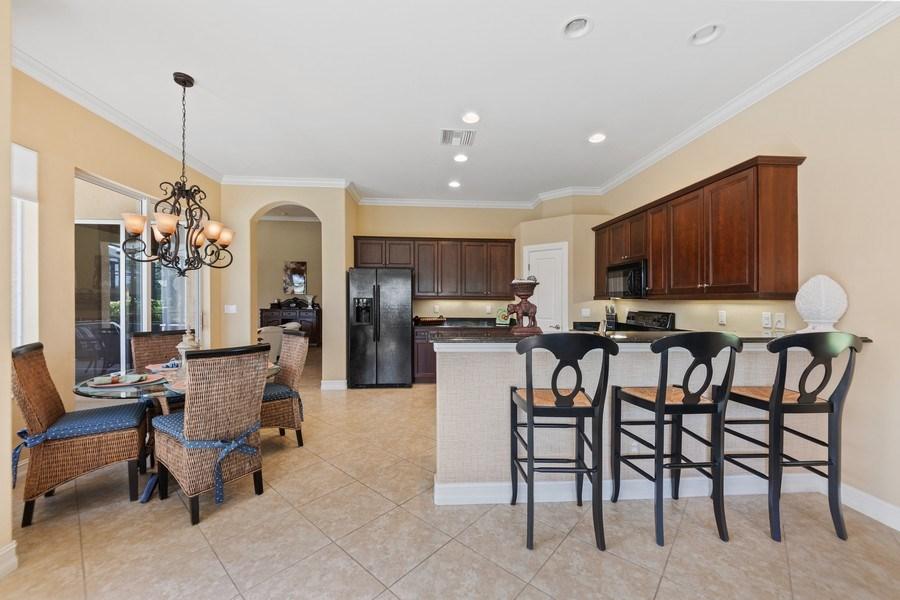 Real Estate Photography - 6061 Divot Ct, Naples, FL, 34113 - Kitchen / Breakfast Room