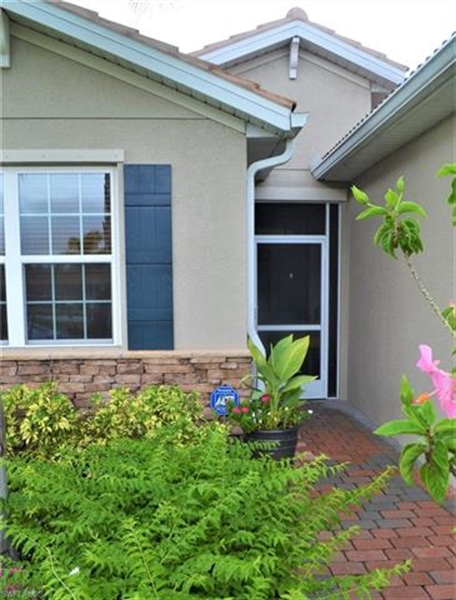 Real Estate Photography - 3236 Birchtree Ln, # 3236, Alva, FL, 33920 - Location 3