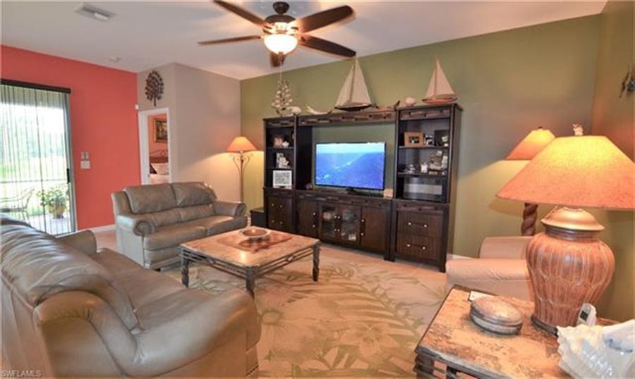 Real Estate Photography - 3236 Birchtree Ln, # 3236, Alva, FL, 33920 - Location 4