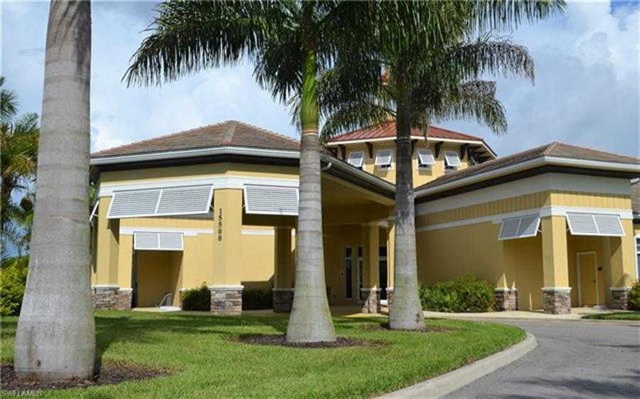 Real Estate Photography - 3236 Birchtree Ln, # 3236, Alva, FL, 33920 -