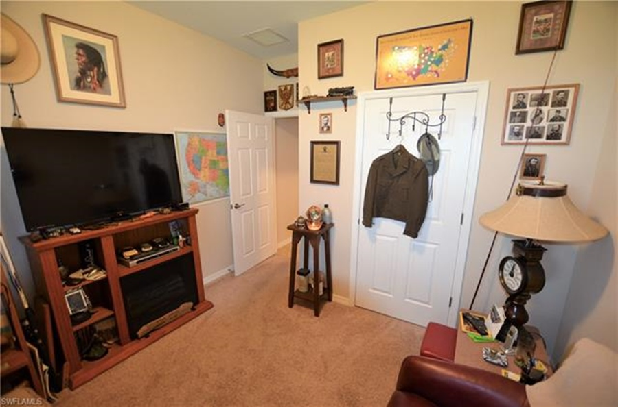 Real Estate Photography - 3236 Birchtree Ln, # 3236, Alva, FL, 33920 - Location 15
