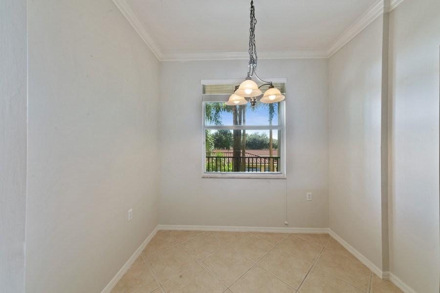 Real Estate Photography - 10285 Heritage Bay Blvd, Unit 825, Naples, FL, 34120 - Breakfast Area