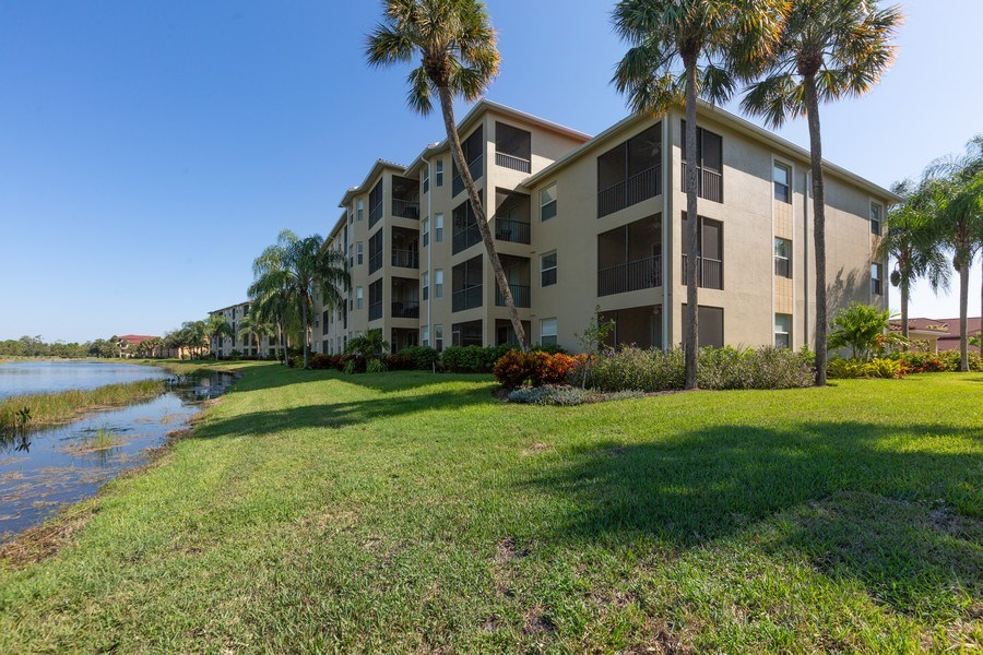 Real Estate Photography - 10285 Heritage Bay Blvd, Unit 825, Naples, FL, 34120 - Rear View