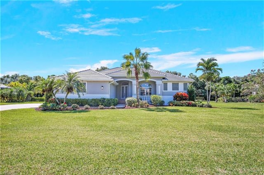 Real Estate Photography - 8811 King Lear Ct, # 8811, Fort Myers, FL, 33908 - Location 1
