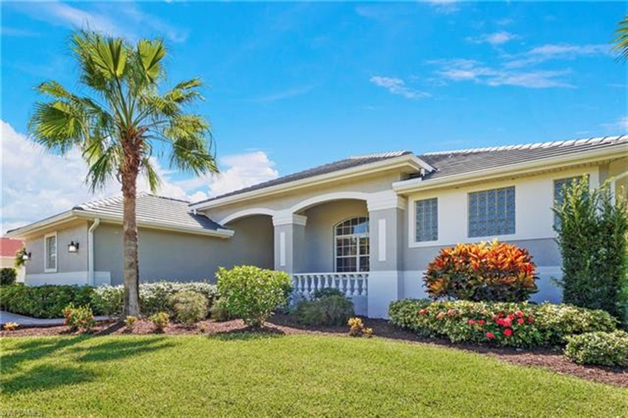 Real Estate Photography - 8811 King Lear Ct, # 8811, Fort Myers, FL, 33908 - Location 2