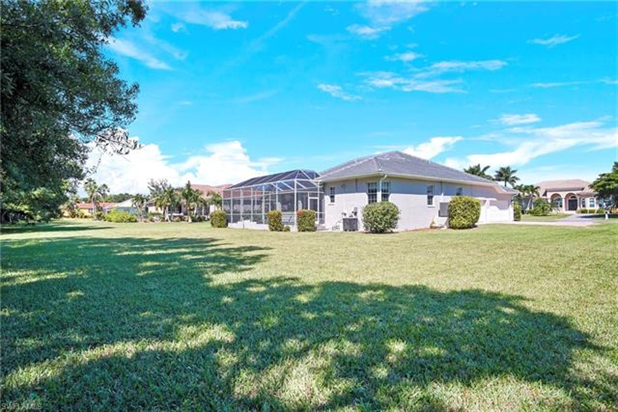 Real Estate Photography - 8811 King Lear Ct, # 8811, Fort Myers, FL, 33908 -