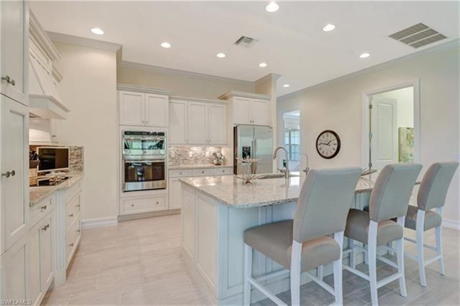 Real Estate Photography - 7829 Hawthorne DR 2004 7829, NAPLES, FL, 34113 - Location 5