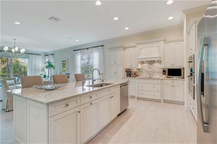 Real Estate Photography - 7829 Hawthorne DR 2004 7829, NAPLES, FL, 34113 - Location 6