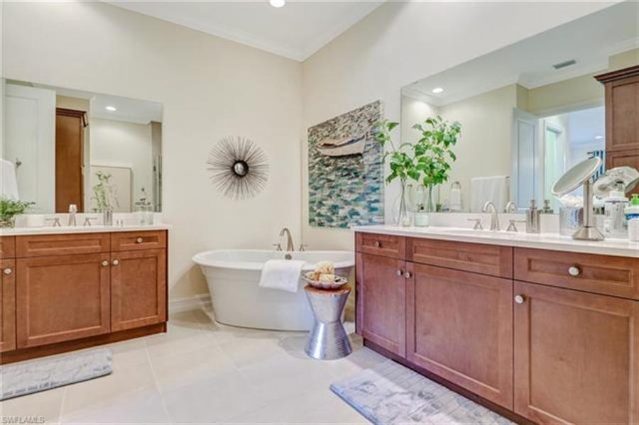 Real Estate Photography - 7829 Hawthorne DR 2004 7829, NAPLES, FL, 34113 - Location 14