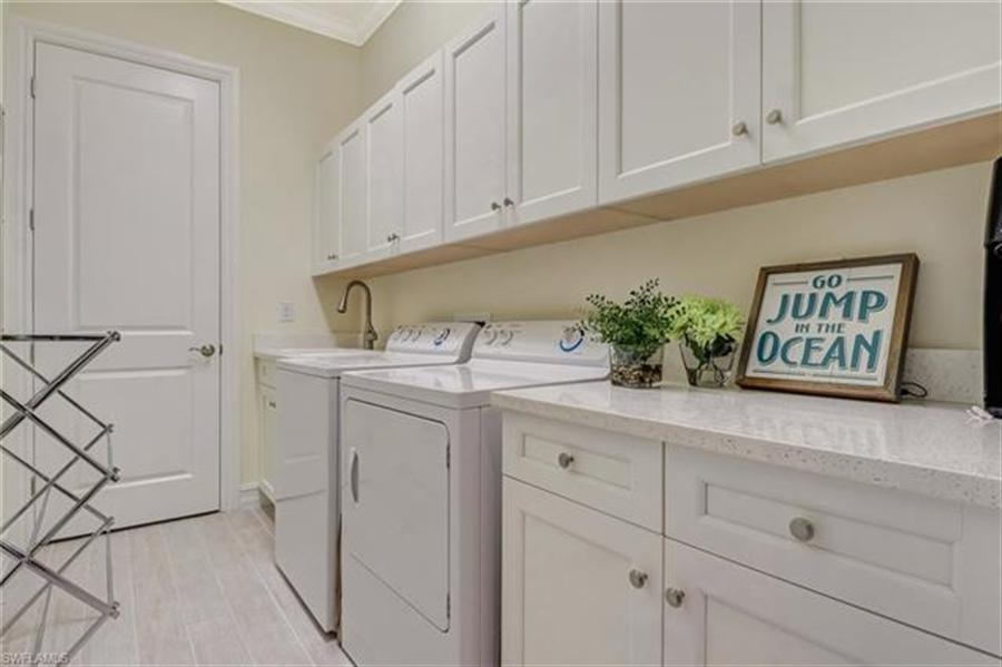Real Estate Photography - 7829 Hawthorne DR 2004 7829, NAPLES, FL, 34113 - Location 21