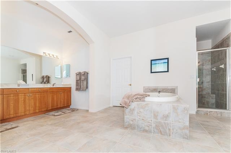 Real Estate Photography - 3547 Cherry Blossom CT 202 3547, ESTERO, FL, 33928 - Location 18