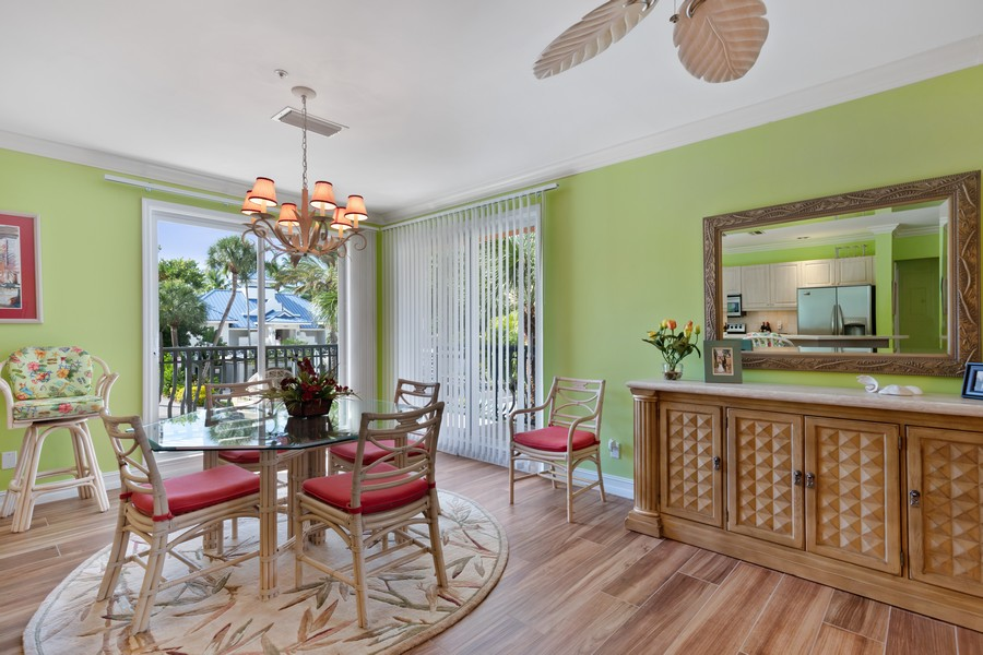 Real Estate Photography - 9400 Gulf Shore Dr #2, Naples, FL, 34108 - Dining Area