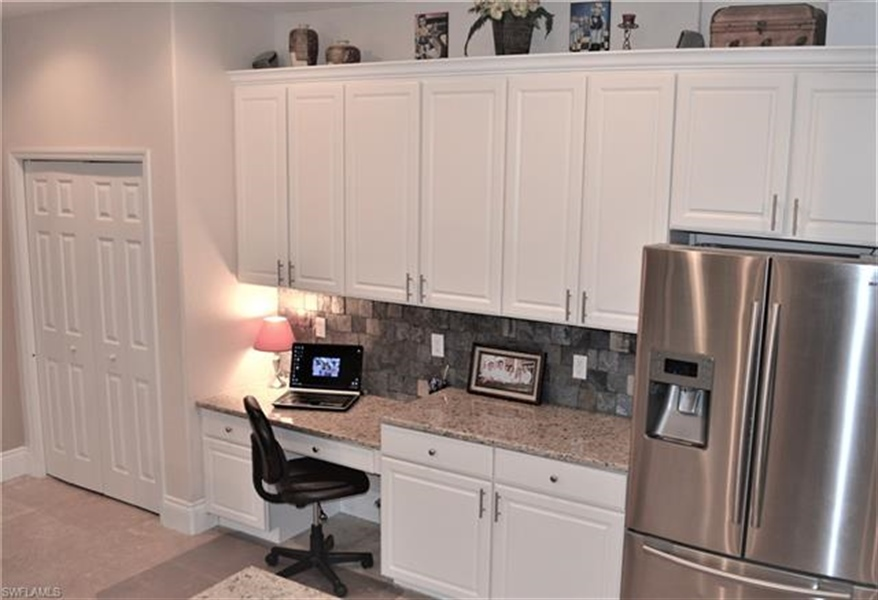 Real Estate Photography - 11857 Lady Anne Cir, # 11857, Cape Coral, FL, 33991 - Location 7