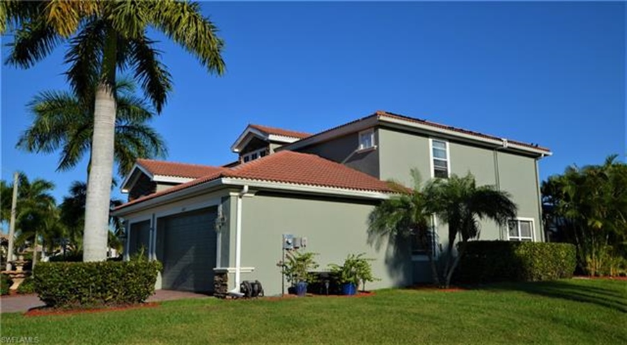 Real Estate Photography - 11857 Lady Anne Cir, # 11857, Cape Coral, FL, 33991 -