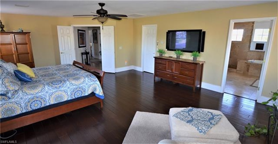 Real Estate Photography - 11857 Lady Anne Cir, # 11857, Cape Coral, FL, 33991 - Location 17