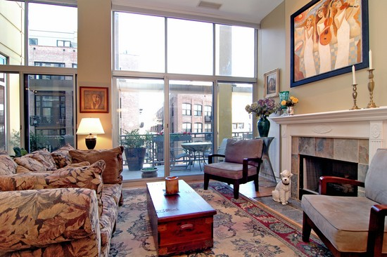 Real Estate Photography - 720 N Larrabee, Unit 602, Chicago, IL, 60611 - Living Room