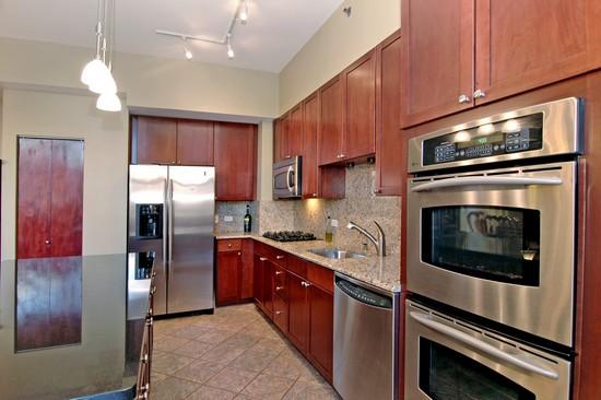 Real Estate Photography - 720 N Larrabee, Unit 602, Chicago, IL, 60611 - Kitchen