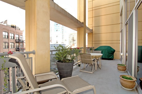 Real Estate Photography - 720 N Larrabee, Unit 602, Chicago, IL, 60611 - Balcony