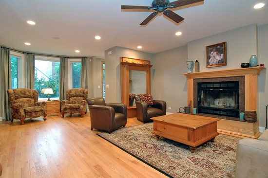 Real Estate Photography - 2617 N Richmond Ave, Chicago, IL, 60622 - Living Room