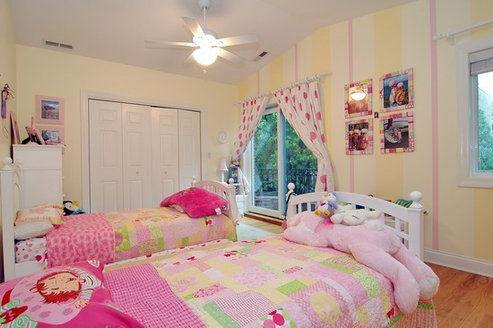 Real Estate Photography - 2617 N Richmond Ave, Chicago, IL, 60622 - 2nd Bedroom