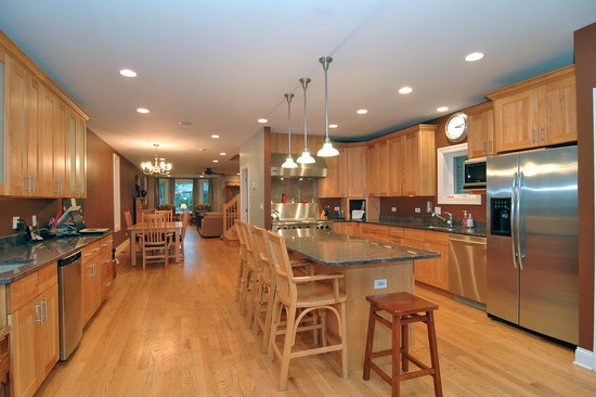 Real Estate Photography - 2617 N Richmond Ave, Chicago, IL, 60622 - Kitchen
