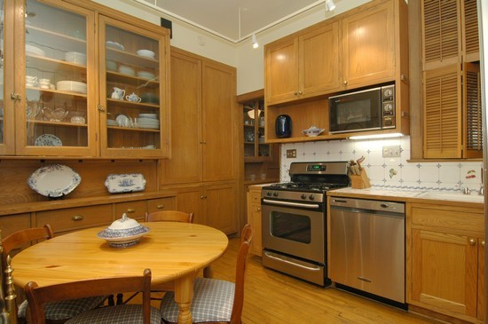 Real Estate Photography - 1210 N Astor, Unit 2A, Chicago, IL, 60610 - Kitchen