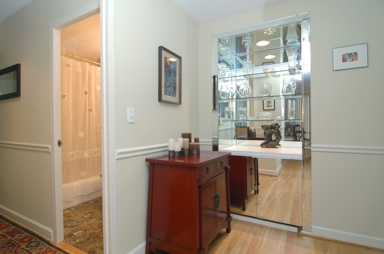 Real Estate Photography - 21 W Goethe, Unit 7G, Chicago, IL, 60610 - Foyer