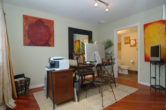 Real Estate Photography - 932 W Hubbard St, Chicago, IL, 60642 - Office