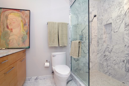 Real Estate Photography - 21 W Chestnut St, Unit 907, Chicago, IL, 60610 - Bathroom