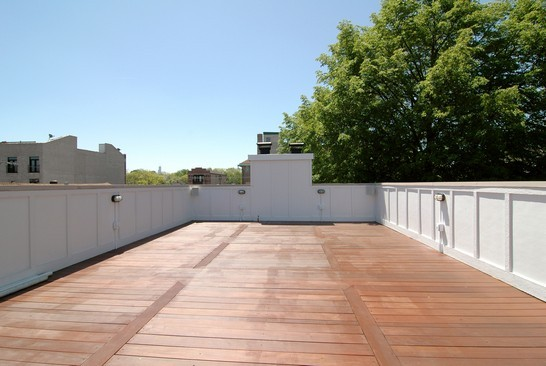 Real Estate Photography - 1833 W Melrose, Chicago, IL, 60657 - Roof Deck