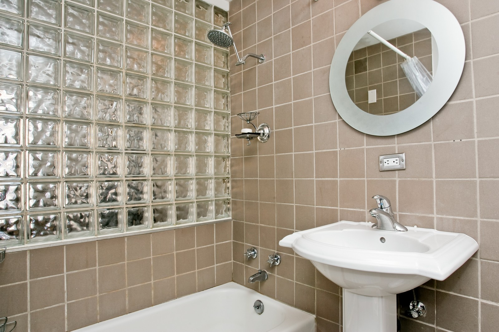 Real Estate Photography - 235 W Eugenie, Unit T4, Chicago, IL, 60614 - Bathroom