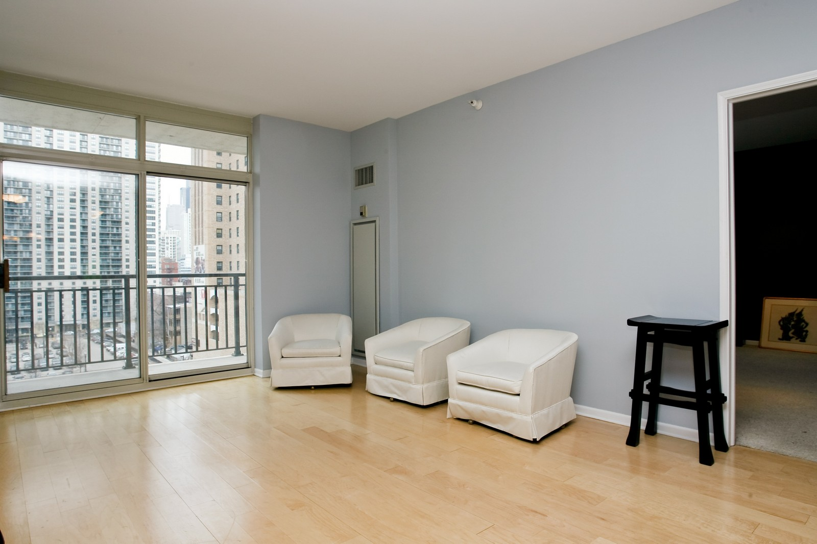 Real Estate Photography - 21 W Chestnut, Unit 806, Chicago, IL, 60611 - Living Room