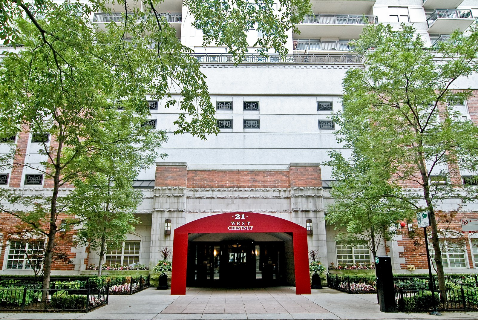 Real Estate Photography - 21 W Chestnut, Unit 806, Chicago, IL, 60611 - Front View