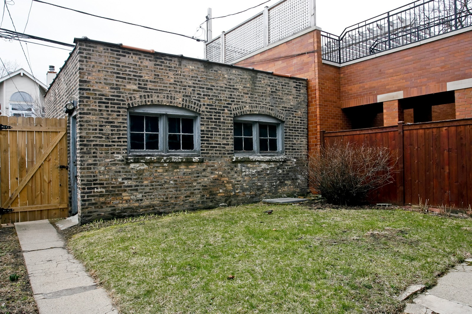 Real Estate Photography - 841 W George, Chicago, IL, 60657 - Back Yard