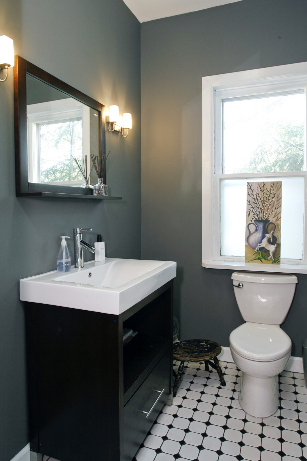 Real Estate Photography - 1457 W Pensacola, Chicago, IL, 60613 - Half Bath