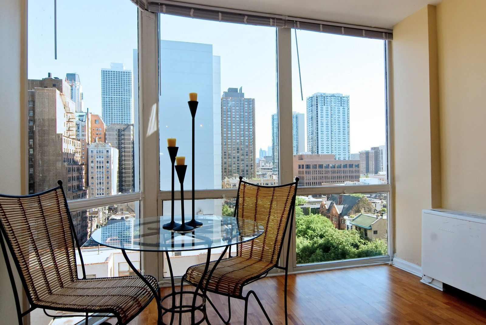 Real Estate Photography - 21 W Goethe, Unit 10K, Chicago, IL, 60610 - Dining Room