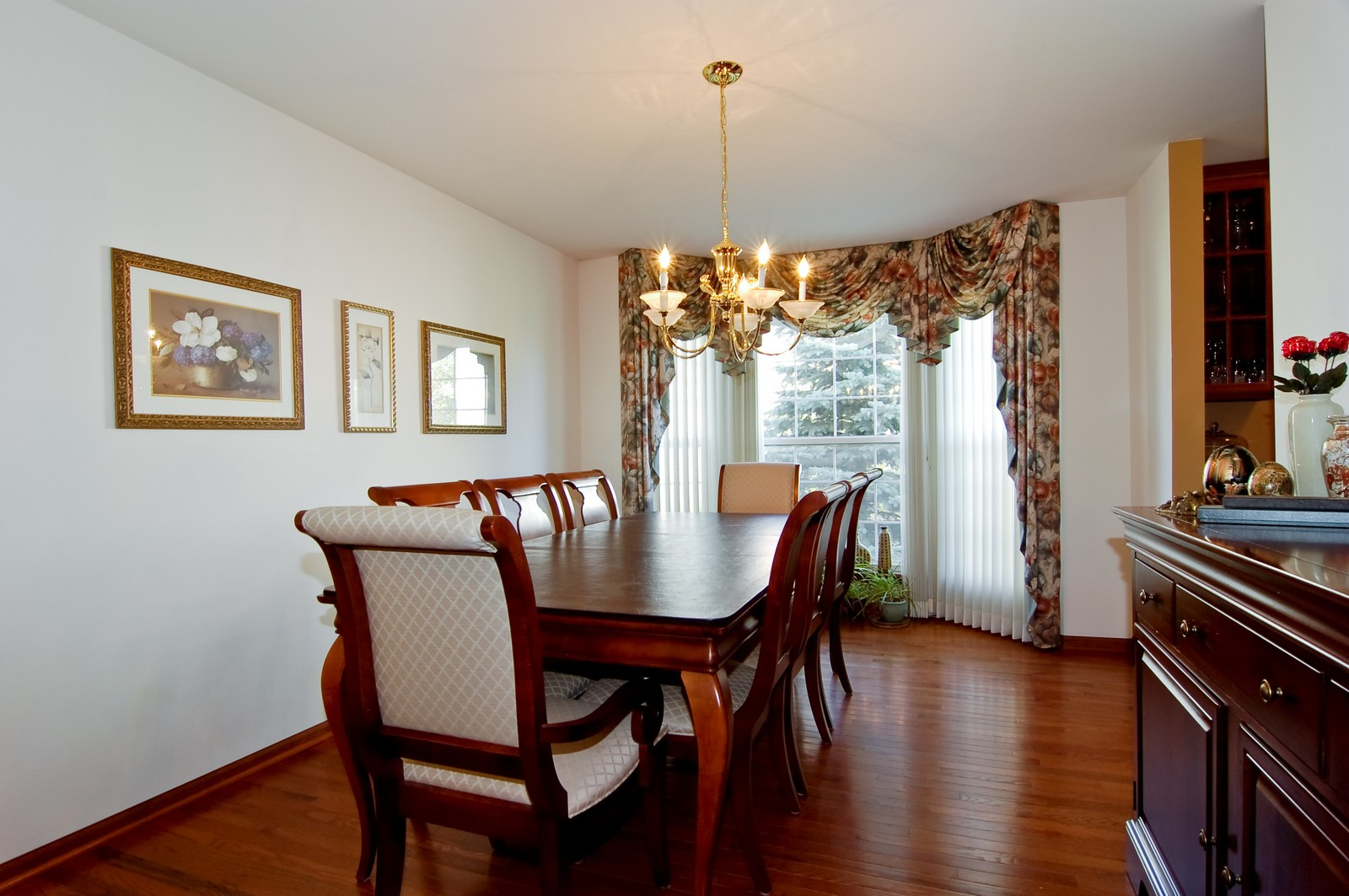 Real Estate Photography - 115 Buckskin Lane, Streamwood, IL, 60107 - Dining Room
