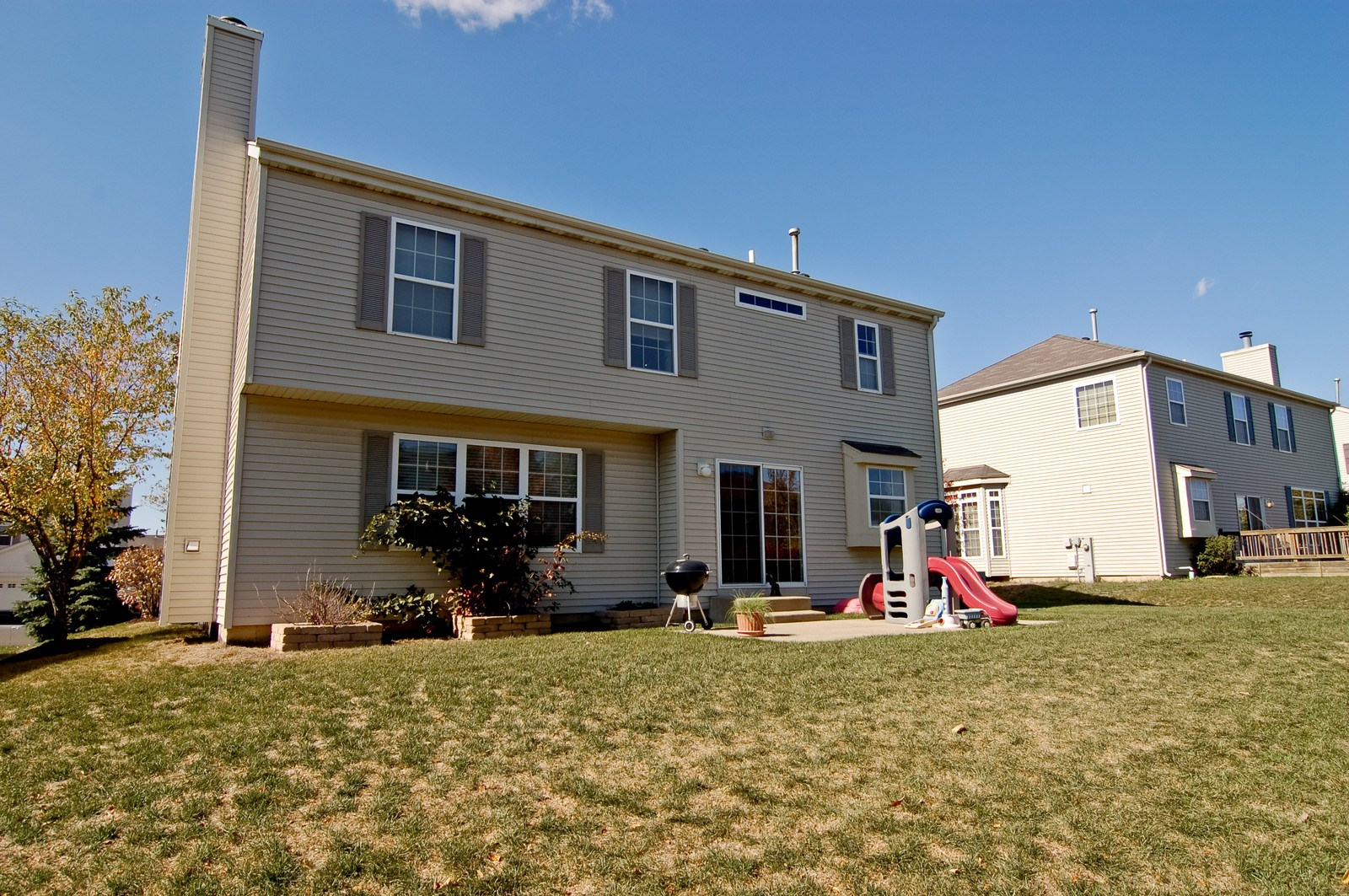 Real Estate Photography - 115 Buckskin Lane, Streamwood, IL, 60107 - Rear View
