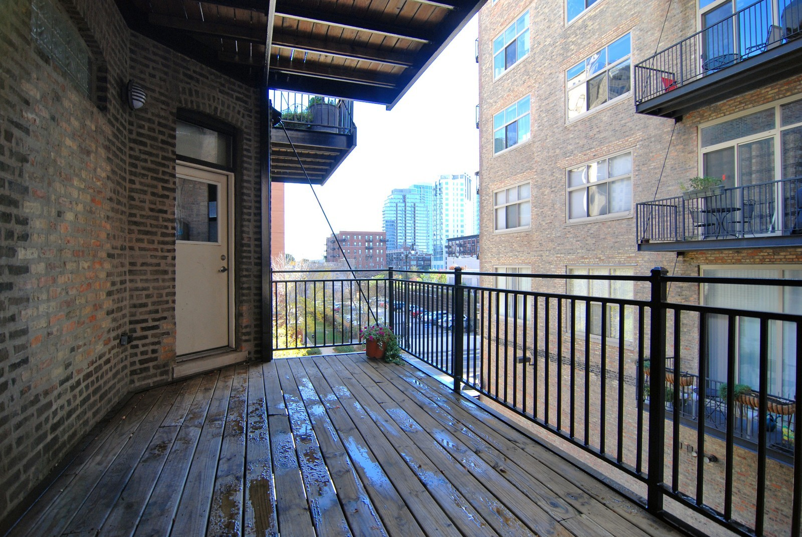 Real Estate Photography - 1526 S. Wabash, 300, Chicago, IL, 60605 - Deck