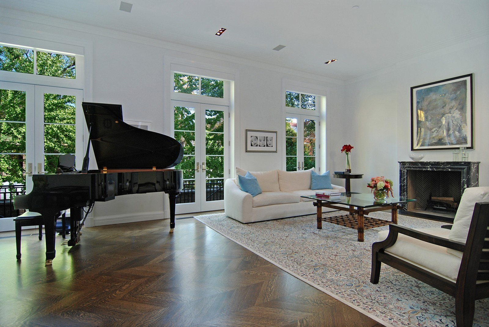 Real Estate Photography - 1866 N Howe, Chicago, IL, 60614 - Living Room