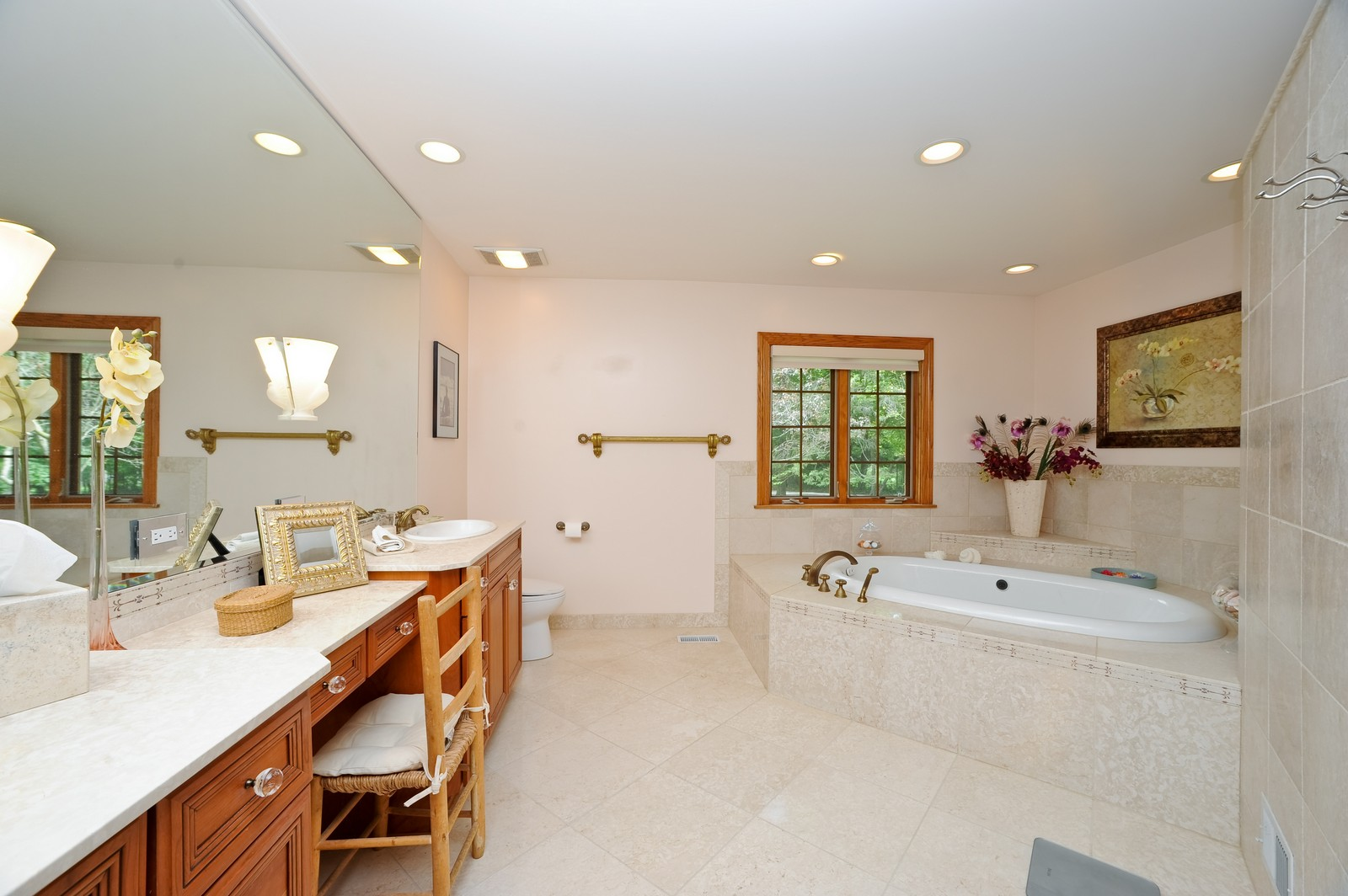 Real Estate Photography - 505 Juneberry, Riverwoods, IL, 60015 - Master Bathroom
