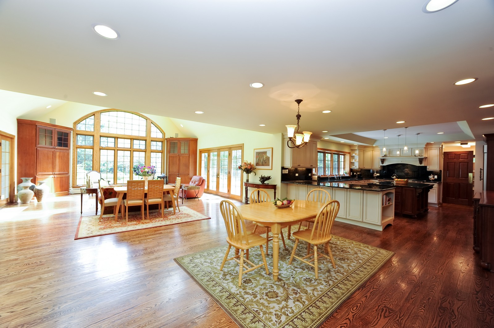 Real Estate Photography - 505 Juneberry, Riverwoods, IL, 60015 - Breakfast Area
