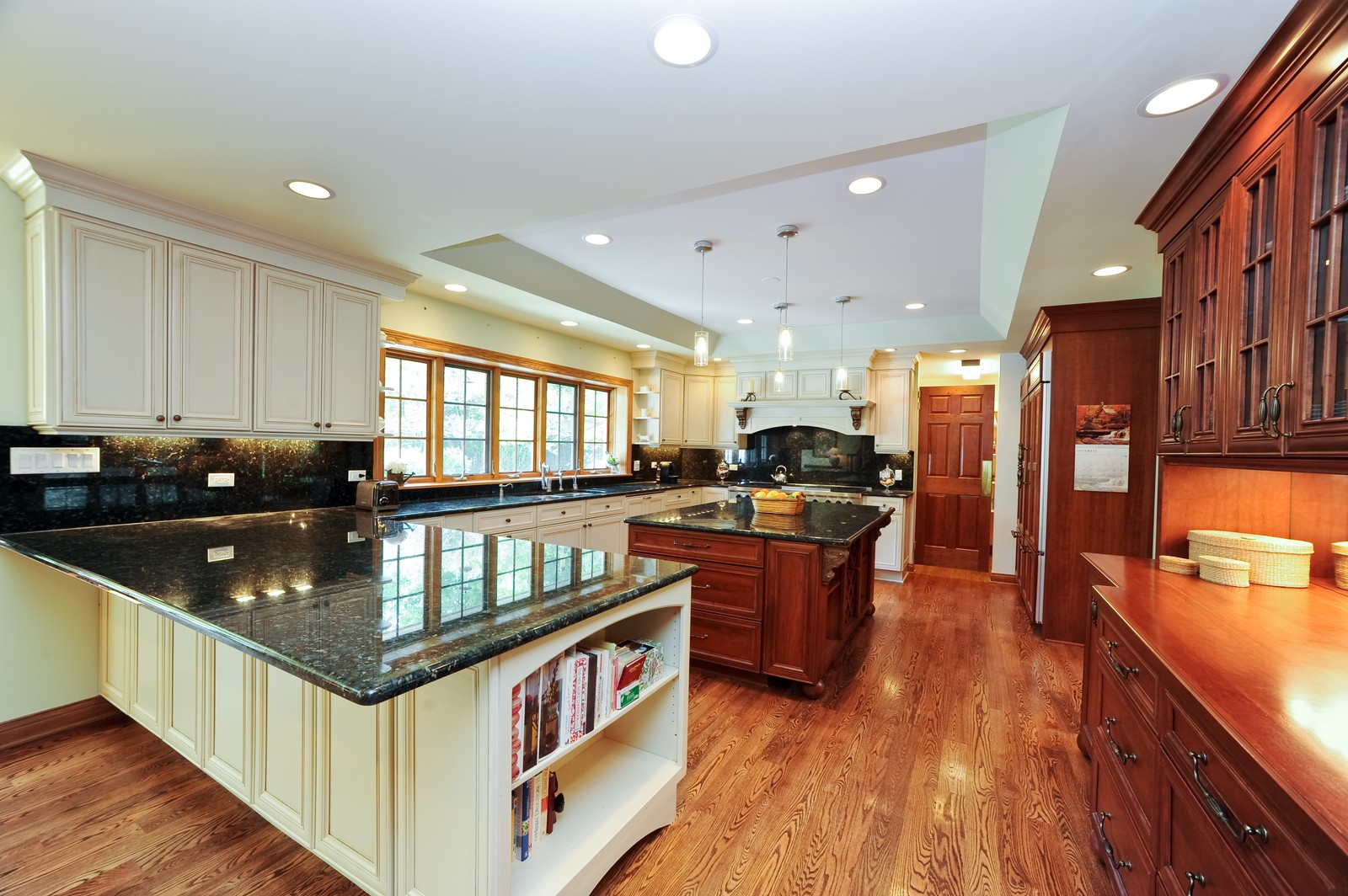 Real Estate Photography - 505 Juneberry, Riverwoods, IL, 60015 - Kitchen
