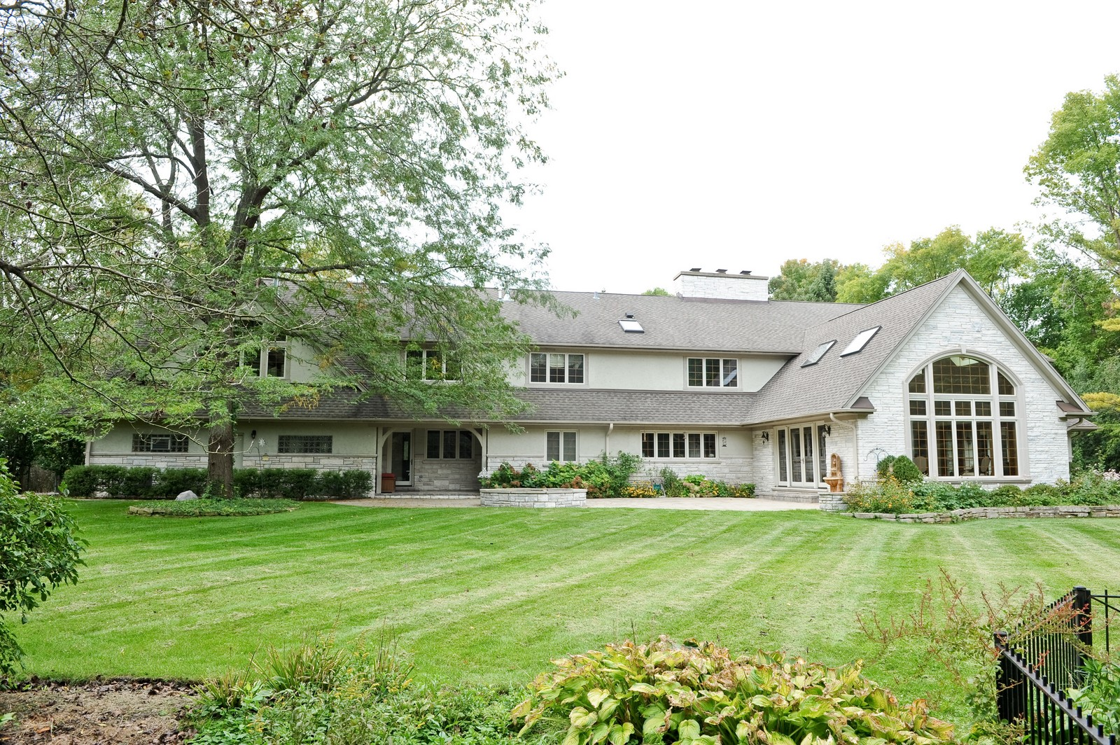 Real Estate Photography - 505 Juneberry, Riverwoods, IL, 60015 - Rear View