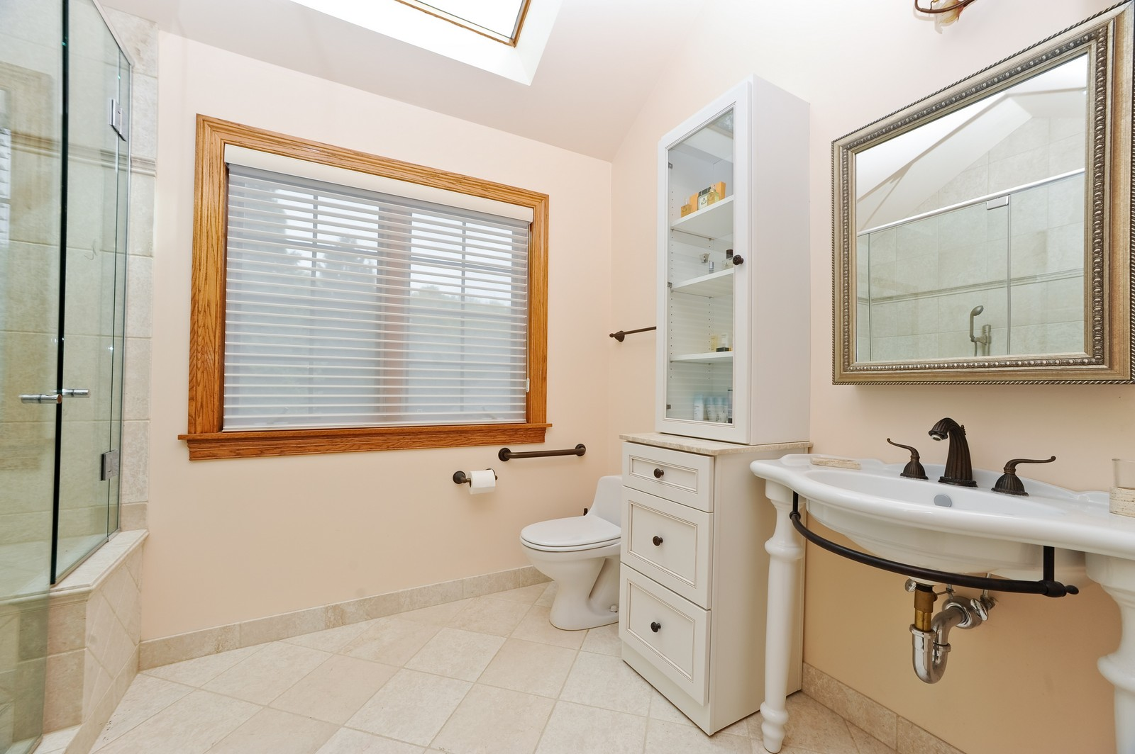 Real Estate Photography - 505 Juneberry, Riverwoods, IL, 60015 - Bathroom