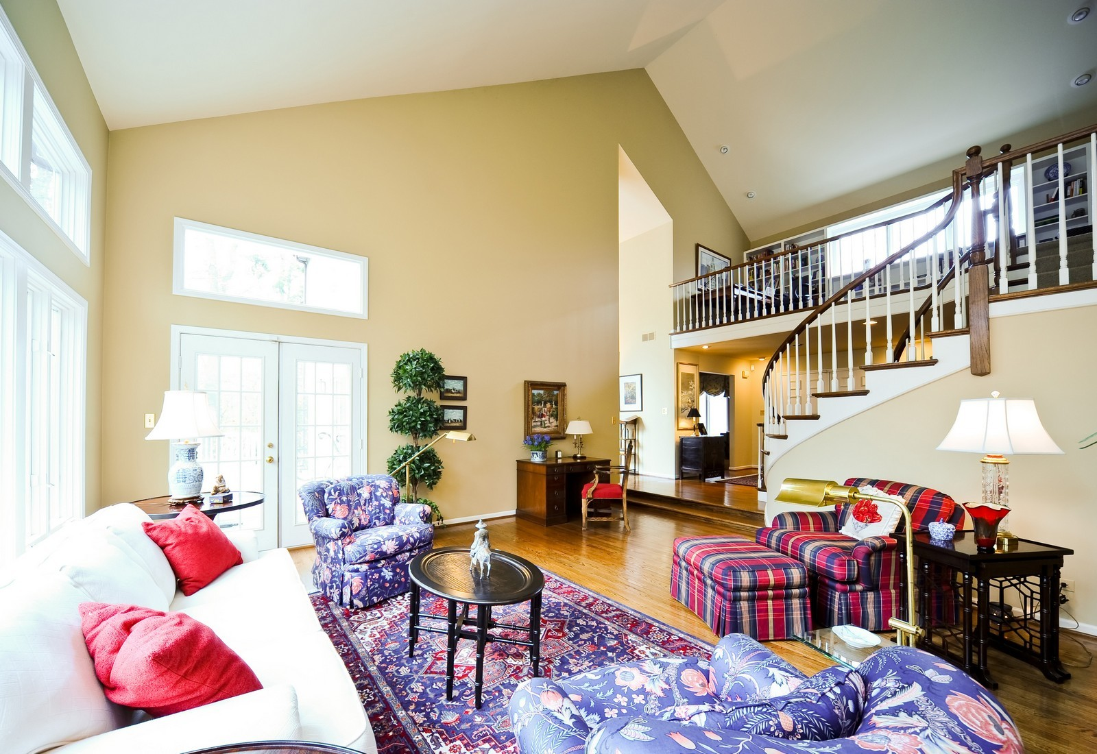 Real Estate Photography - 55 Greenwich Court, Lake Bluff, IL, 60044 - Living Room