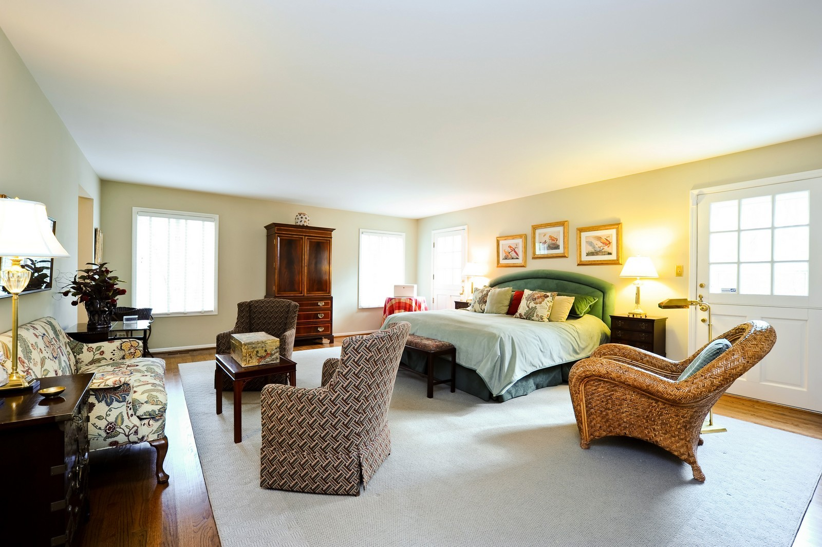 Real Estate Photography - 55 Greenwich Court, Lake Bluff, IL, 60044 - Master Bedroom